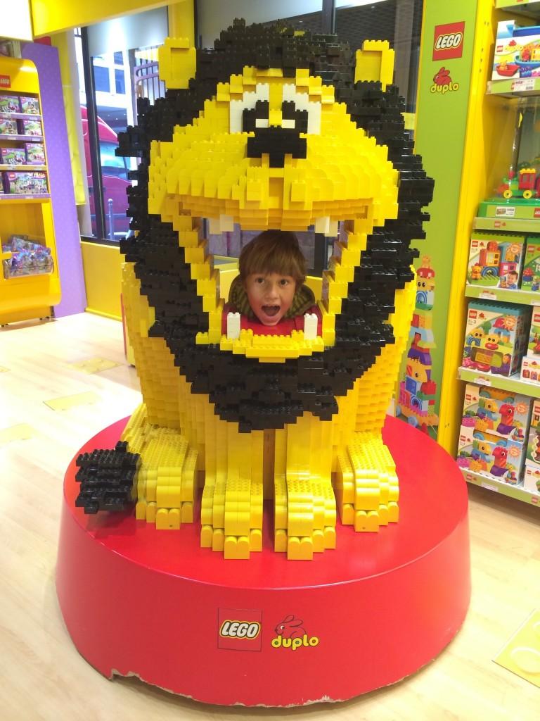 Lego Lion in Paris